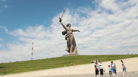 назад : Motherland Statue in Mamaev Kurgan. Stalingrad  Volgograd. Visitors and Tourists of the Memorial Complex on the Anniversary of Victory in Great World War II. Стоковые видеозаписи