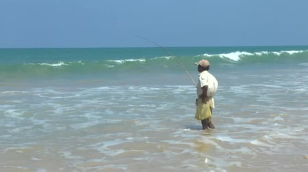 subsistence : Sri Lankan fisherman catch fish in the ocean, the local flavor.