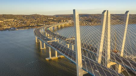 palmo : Aerial Hyperlapse of the new cable-stayed Tappan Zee bridge, spanning Hudson river between Nyack and Tarrytown in New York State Vídeos