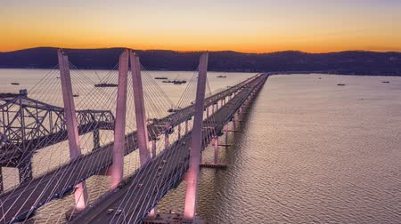 vincular : Aerial Hyperlapse of the new cable-stayed Tappan Zee bridge, spanning Hudson river between Nyack and Tarrytown in New York State Stock Footage