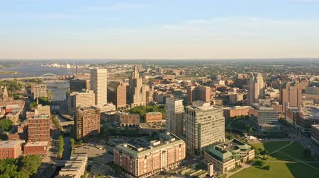 rhode : Drone footage of Providence, Rhode Island on a late sunny afternoon. The camera pans along the downtown skyline. Providence is the capital city of the U. S. state of Rhode Island. Stock Footage