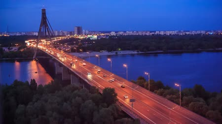 Украина : Cars moving on the bridge