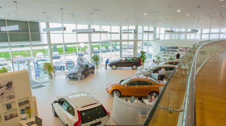 sala de exposição : View of row new car at new car showroom