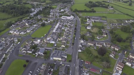 irlandia : Aerial done view of a small town in Ireland