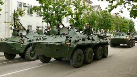 silahlar : Russian Military Armored Personnel Carriers Stok Video