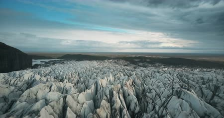 glacier point : Scenic aerial view of the ice valley in Iceland national park. Drone flying over the white glacier Vatnajokull. Stock Footage