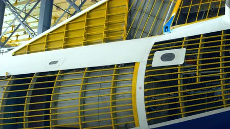 aeroespaço : Airplane plant inside view. Inner parts of a plane - close-up view. Vídeos