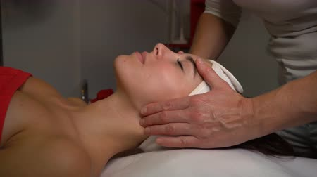 regenerating : Spa treatments. Regenerating face massage. Stimulation of facial muscles. Facelift.