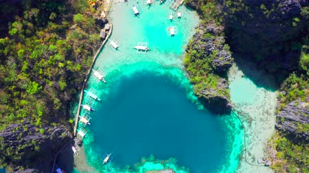 takımadalar : Coron, Palawan, Philippines, aerial view of beautiful lagoons and limestone cliffs.
