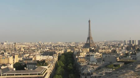 panorâmico : Eiffel Tower the most famous attraction in Paris, panorama over Paris city Stock Footage