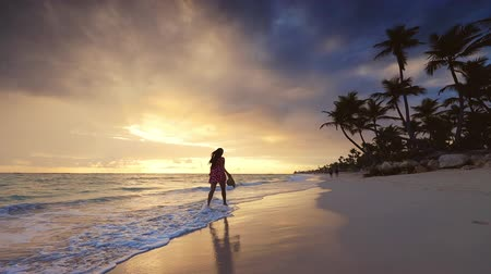 maldivler : Sea sunrise and tropical beach on caribbean island. Punta Cana, Dominican Republic