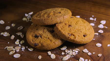 yulaf ezmesi : Oatmeal Cookies with chocolate chips