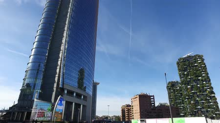 garibaldi : Unicredit tower, square Gae Aulenti, Milan, Italy. October 7, 2017. View of the Unicredit tower, the tallest skyscraper in Italy. Vertical forest Stock Footage
