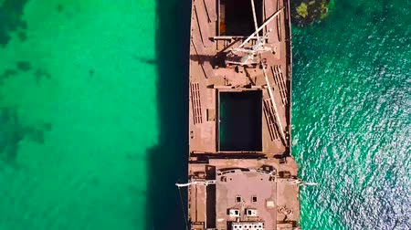 korozyon : Aerial view of a ship in the Atlantic ocean. Details of the ship seen closely. Wreck of the Greek cargo ship: Telamon; near Arrecife in Lanzarote, Canary Islands, Spain.