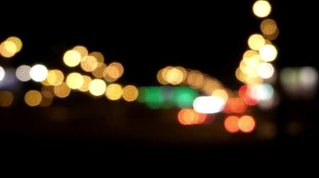 uzun : Night traffic in the city out of focus. Stok Video