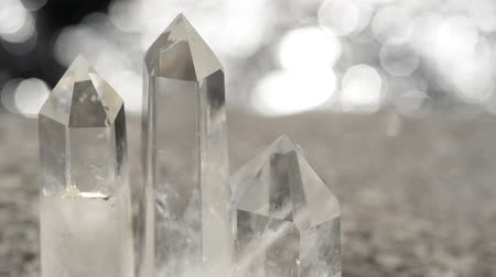 kuvars : Quartz crystal aligned at the glitter riverside