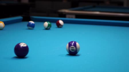 sinuca : persons play in snooker game, man plays in billiard