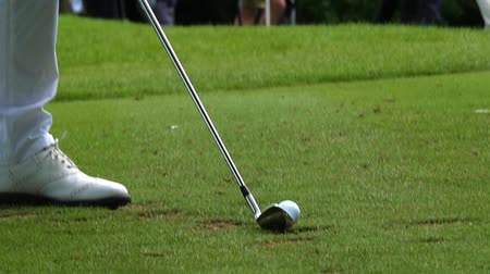tiro : Slow motion view of a golf tee shot with an iron
