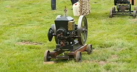 antika : Vintage stationary engine Stok Video