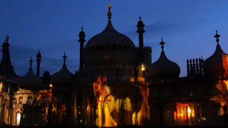 moghul : View of the Brighton pavilion floodlit at night