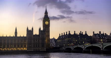 big ben : Time lapse view of the House of Parliament and the Big Ben in London at sunset. Transition to night