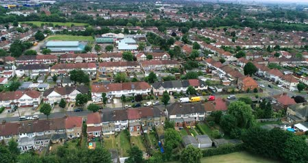 kasaba : Aerial pull out view of suburban areas in North London (Wembley)