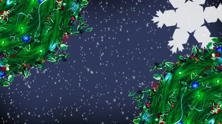 magyal : Digital composite of Christmas Holly wreath and lights with falling snow Stock mozgókép
