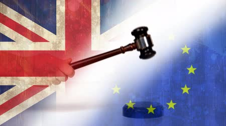 politikacı : Court Gavel against EU and britain flag background