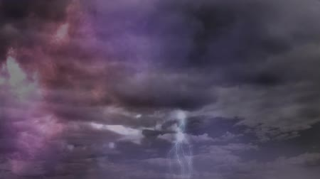 bouře : Digital animation of thunders in the sky with clouds Dostupné videozáznamy