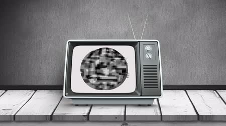 sintonizador : Digitally generated animation of an old television on a wooden deck with a pixelated circle in the screen