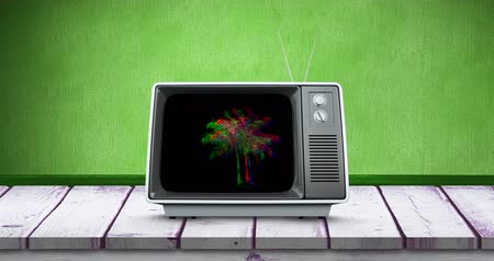 sintonizador : Digital animation of static palm trees moving in the screen of an old television placed in a wooden deck and green wallpaper 4k