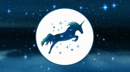 мифический : Digital animation of an unicorn in a white circle surrounded of dark sky with stars and tiny dots.