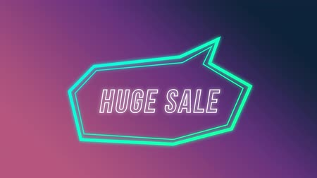 угловой : Animation of the words Huge Sale in white outline appearing in an angular blue speech bubble which swings in to view from top right on a gradient purple background Стоковые видеозаписи