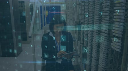сосредоточиться на переднем плане : Animation of a Caucasian woman working in a computer server room with a tablet and smiling, with data security warning messages in the foreground
