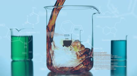 биотехнология : Animation of three laboratory beakers being filled with coloured chemical liquids, with data and structural formula of chemical compounds on a blue background