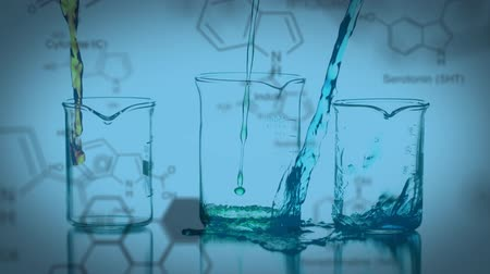 strukturální : Animation of three laboratory beakers being filled with coloured chemical liquids, with data and structural formula of chemical compounds on a blue background