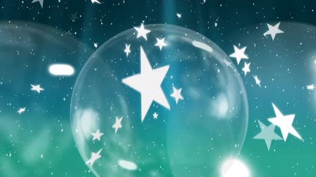 безделушка : Animation of snowflakes and stars falling with glass Christmas baubles on blue background