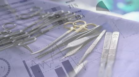 chirurgia : Animation of data processing and charts over surgical tools in the operating theatre Wideo