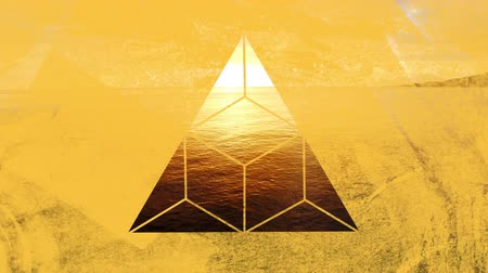 visto : Animation of travelling over a calm ocean at sunset seen through a yellow triangular window in the foreground