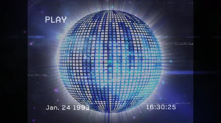 refletindo : Animation of a screen with the word play, the date and time in white text and bands of interference, showing a blue mirror ball reflecting lights and turning on a black background