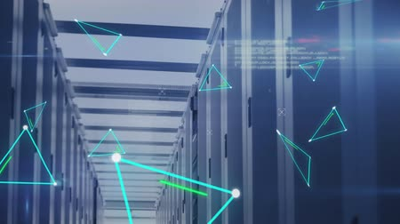 プロバイダー : Animation of flickering green triangle outlines, data processing and digital information flowing through network of computer servers in a server room. Global network of internet service provider or da