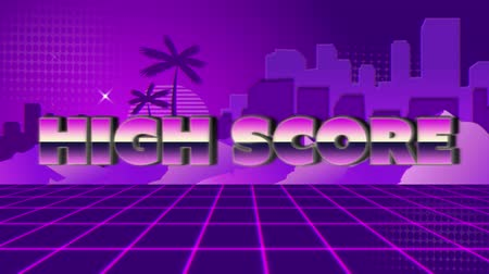 スコア : Animation of vintage video game screen with the words High Score written in pink and purple metallic letters appearing and disappearing on purple grid with mountains, palm trees, cityscape and stars o