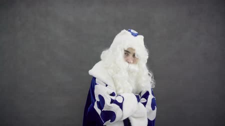 fianchi : Hip Hop Santa in costume blu Filmati Stock