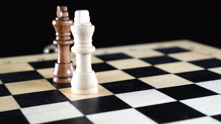 gevşek : Chess board game concept of business ideas and competition and strategy ideas concept. Stok Video