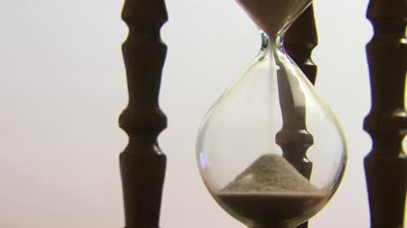 ampulheta : Hourglass counting the time