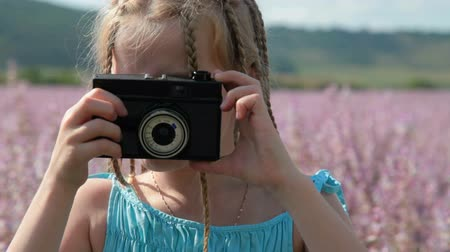 obrázky : Child with camera