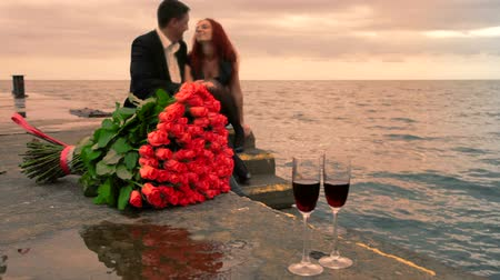 társkereső : Romance dating by the sea