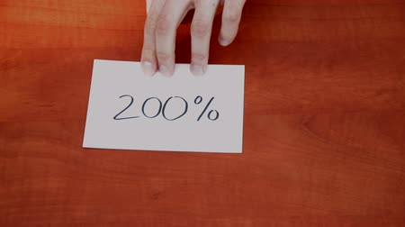 dígitos : Handwritten note with the 200%