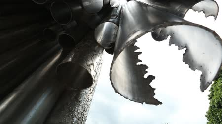 ware : HELSINKI, FINLAND - JUNE 19, 2018: Sibelius Monument artist Eila Hiltunen, 1967 dedicated to Finnish composer Jean Sibelius in Helsinki Sibelius Park, it consists more than 600 hollow steel pipes. Stock Footage