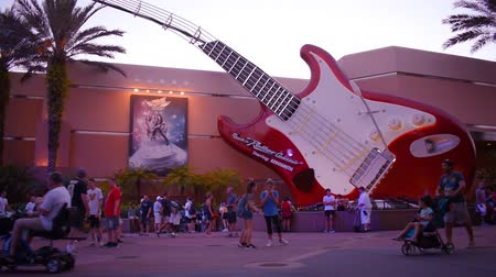 древесный : Orlando, Florida. May 26, 2019. People walking around Rock and Roller Coaster Aerosmith area at Hollywood Studios.